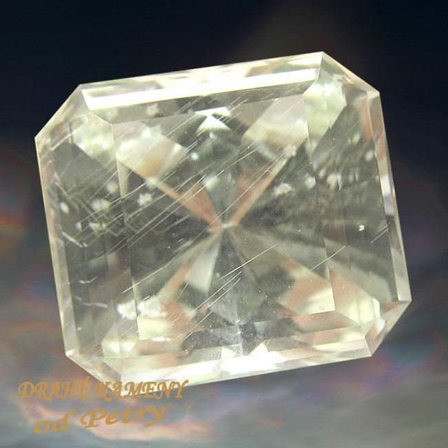 Hiddenit z Mozambiku 21x23mm Váha: 54.25ct